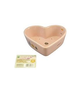 ES14 Marukan Heart Shape Corner Feeder